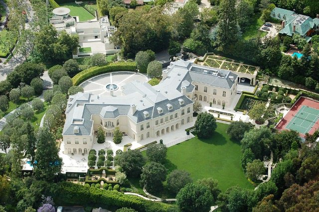 The Manor cc by wikimedia Edward - Petra Ecclestone will ihr Luxus-Anwesen in Los Angeles loswerden