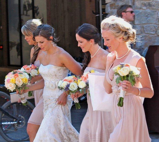 brautkleider brautmode - Sommerzeit ist Hochzeitszeit - perfekt gekleidet für den großen Anlass
