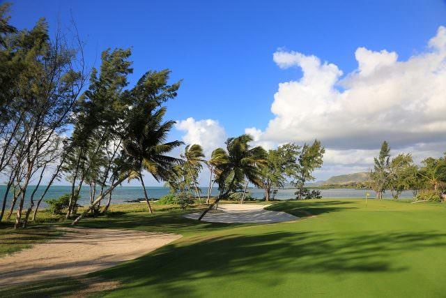 02 Mauritius © Ile Aux Cerfs Gary Lisbon 640x427 - Die schönsten tropischen Golfplätze in der Sonne