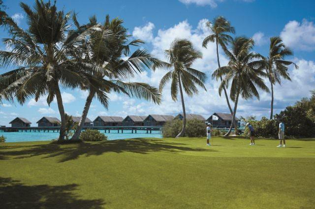 03 Malediven © Shangri La's Villingili Resort Spa Maldives 640x426 - Die schönsten tropischen Golfplätze in der Sonne