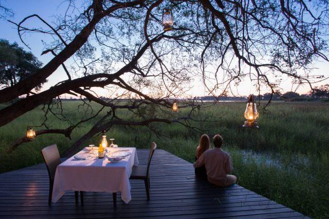 Abu Camp Romantic dinner for two Andrew Howard 640x426 - Honeymoon & Wedding - die schönsten Luxus-Destinationen Teil 2