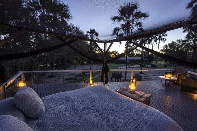 Abu Camp sleep out deck cDana Allen 2 640x425 - Honeymoon & Wedding - die schönsten Luxus-Destinationen Teil 2