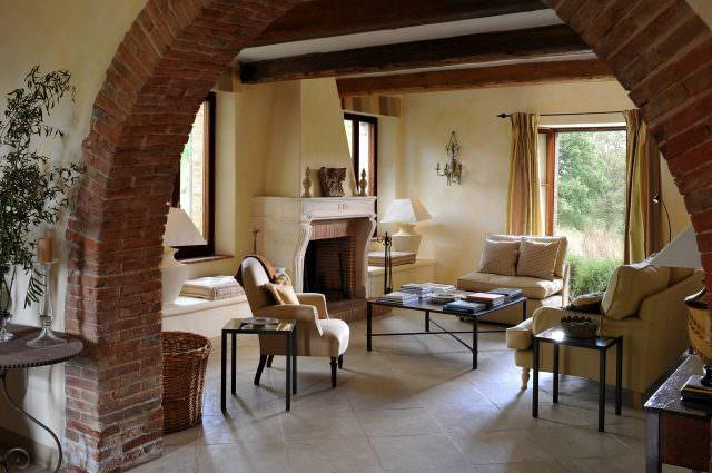 Brusceto Living 640x425 - Kunst im Luxusanwesen - neue Ausstellung im Castello di Reschio