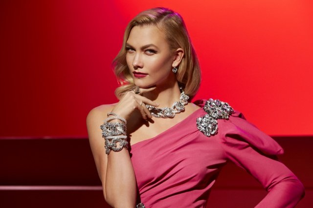 Crystals are a Girls Best Friend 101 - Karlie Kloss x Swarovski im Stil legendärer Film-Diven
