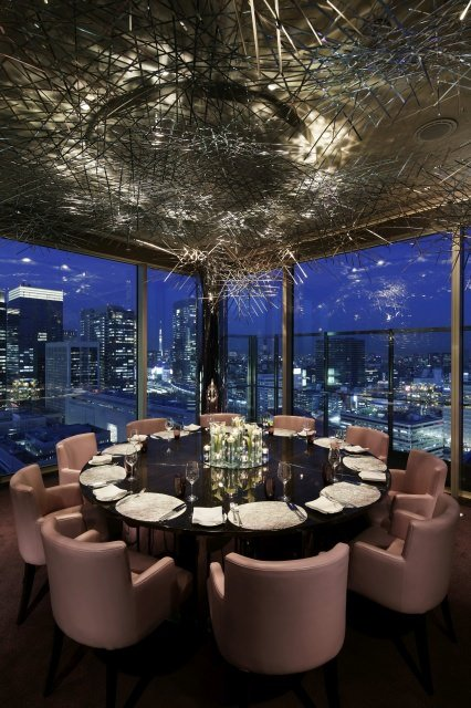 """PTK Restaurant Peter The Nest - """"Pink Party"""" in Tokio mit dem Luxushotel Peninsula Tokyo"""