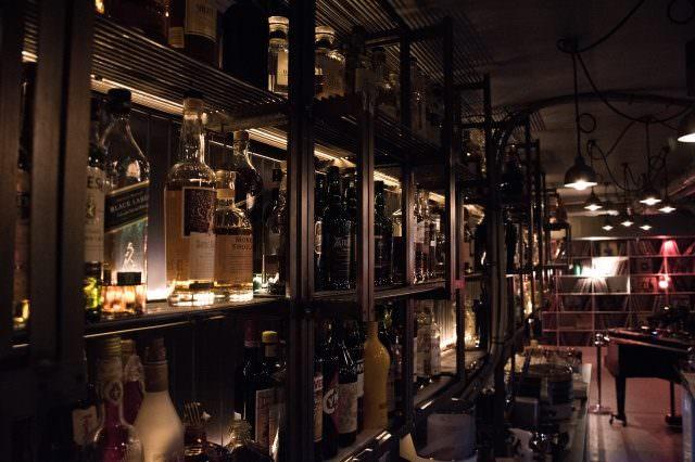 Widder Garage 640x426 - Widder Garage - luxuriöse It-Bar in Zürich mit neuer Pop Up-Location