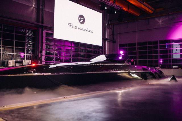 """luxusboot 640x426 - Frauscher Bootswerft - Luxus-Boote """"made in Austria"""""""