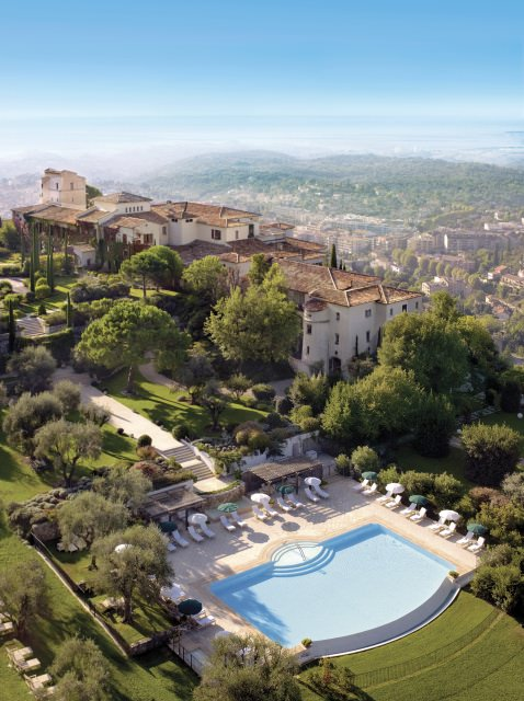 Panoramic view over the property 7294 - Gourmet-Luxus & Sport im Château Saint-Martin & Spa