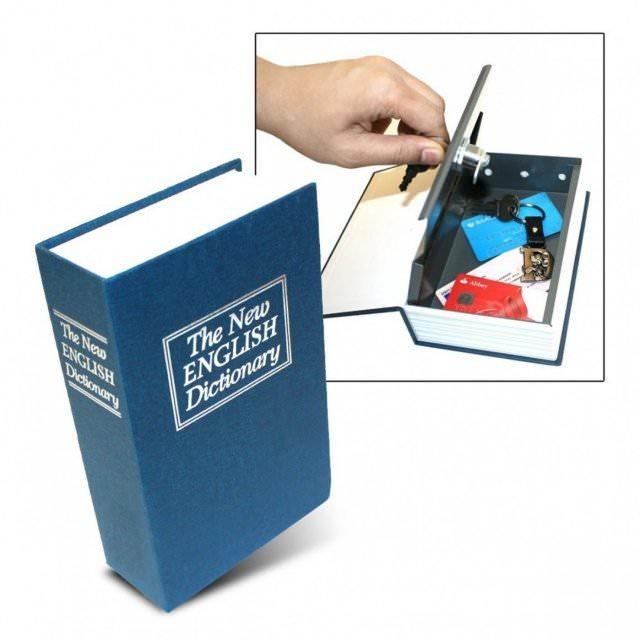 buechertresor dictionary 640x640 - Geschenke zum Vatertag. Was schenkt man Jemandem, der schon alles hat?