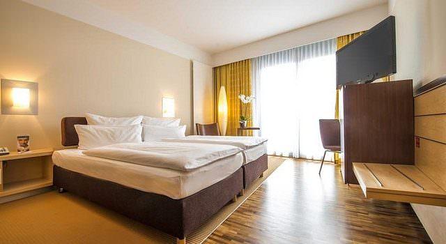29850901555 3cc8de6b6c z 640x350 - Den Stopover auf Reisen sinnvoll nutzen mit einem Tageszimmer in Luxushotels