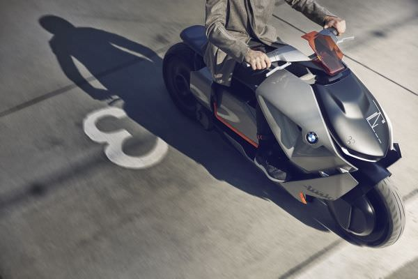 P90260580 lowRes bmw motorrad concept - BMW Motorrad Concept Link – neue Luxus-Technik