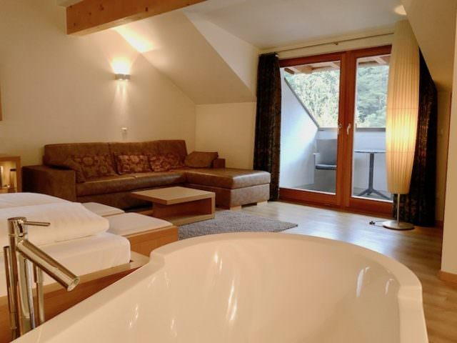 Lanerhof winkler hotel pustertal Suedtirol wellness urlaub familienhotel test kronplatz outdoor berge 01 suite 640x480 - Der Lanerhof - Wellness, Gourmet & Sport in Südtirol
