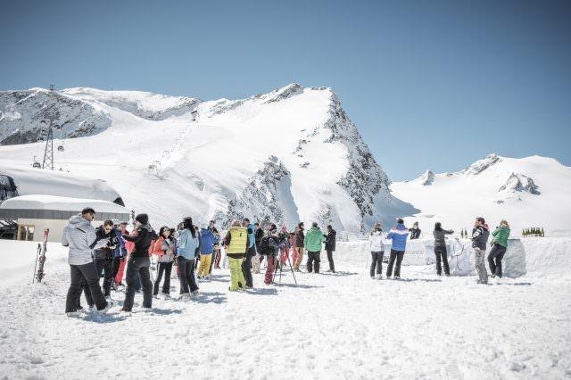 Höhenweindegustation 3 640x426 - Wein-Genuss & Ski auf Luxus-Niveau