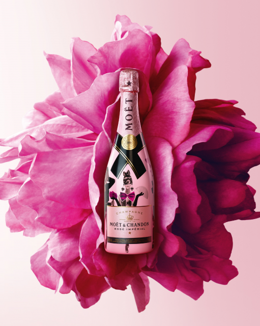 MOËT CHANDON 2018 ROSÉ CAPSULE COLLETION VISUAL PORTRAIT veryhigh.width 9500x prop - Madame de Pompadour & Moët & Chandon