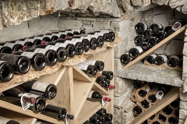 Weinkeller DasCentral byRudiWyhlidal 9116 640x426 - Wein-Genuss & Ski auf Luxus-Niveau