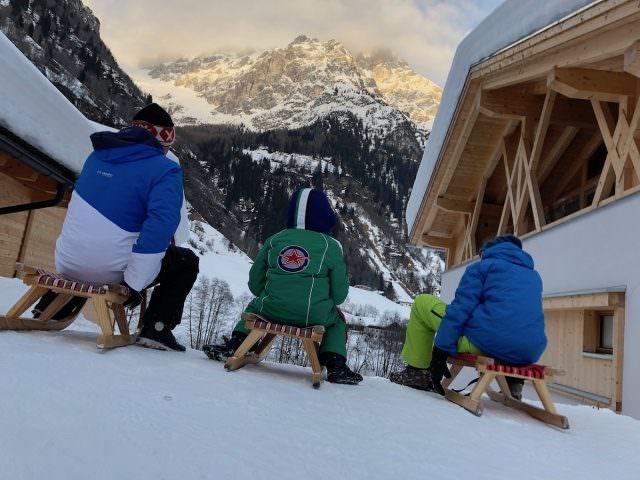 Feuerstein Family Resort Brenner schlittenfahren 2 640x480 - Feuerstein Family Resort am Brenner in Südtirol - Entspannter Luxus
