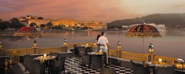 The Leela Palace Udaipur Hotel lake pichola 640x258 - Die 7 besten Luxushotels in Indien von 5 bis 7 Sterne