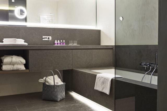 elisabeth hotel mayrhofen bad badewanne 640x426 - Rückzugsort für Seele und Sinne - das Hotel Elisabeth Mayrhofen