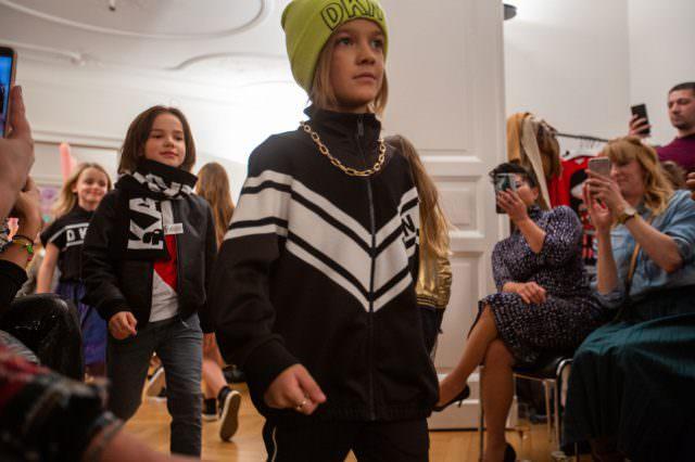 Designer Kindermode Kinderbekleidung KidsFashionShow 3 640x426 - Designer-Kinderkleidung bei der Prisco Project Kids Kindermodenschau in München