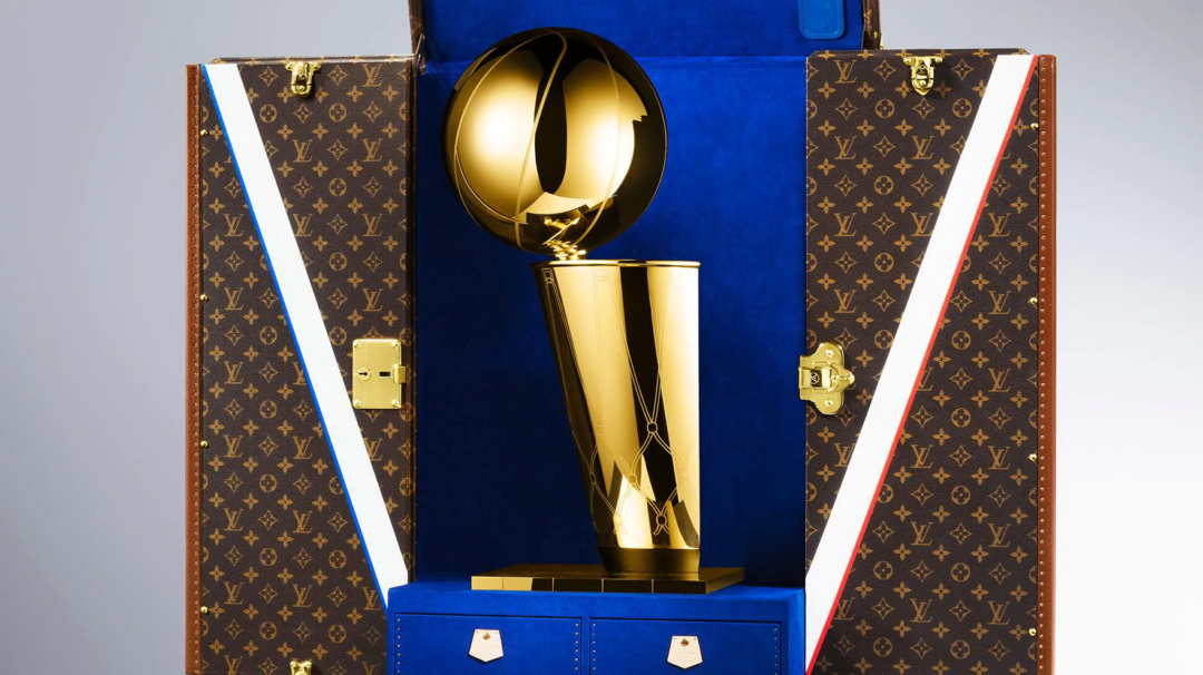 NBA Louis Vuitton Larry O Brien Trophy 1080x606 - NBA Throphäe: Louis Vuitton trifft auf Tiffany bei Larry O'Brien Trophy