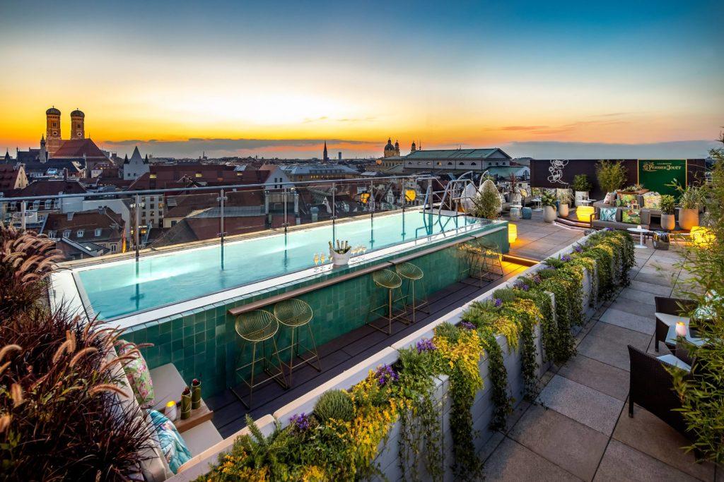 munich dining pool lounge july2020 1024x683 - Mandarin Oriental München – neues Design & mehr Nachhaltigkeit