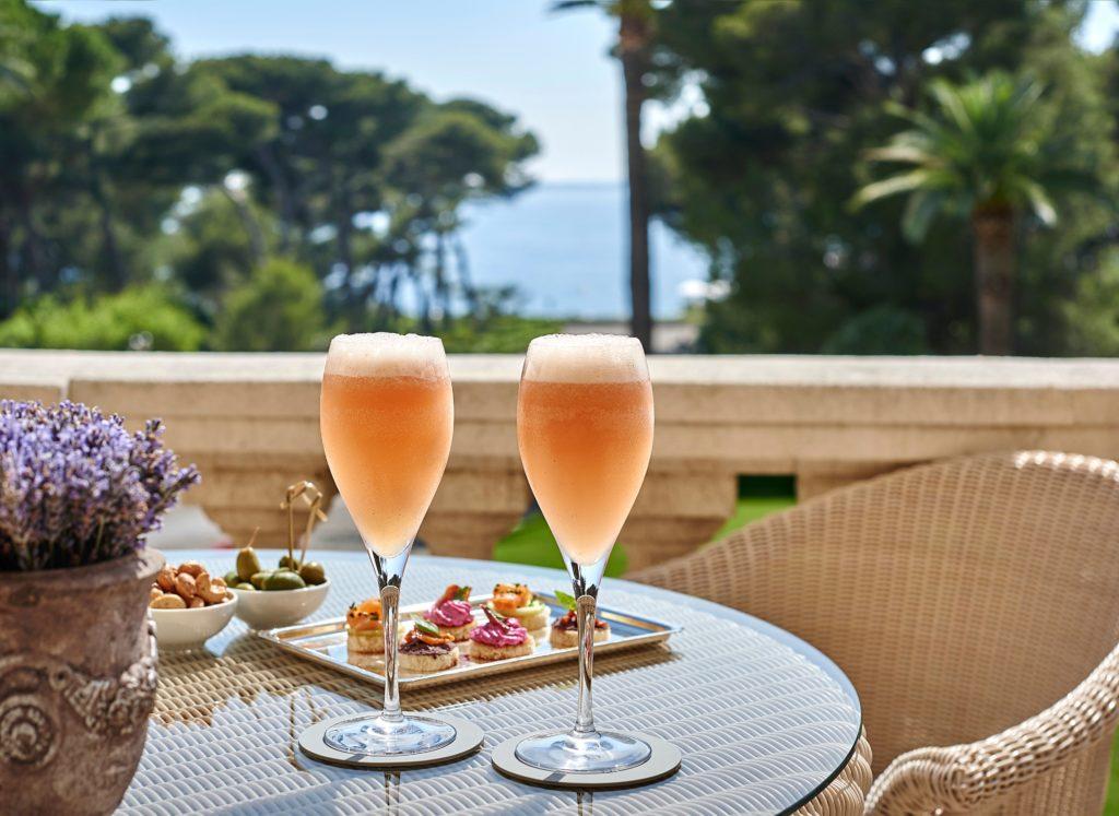 bellini 1024x747 - Die Lieblings-Cocktails der besten Luxushotels für zu Hause