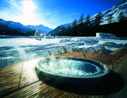 031 Whirlpool 1 520x400 - Luxus-Skisaison im Suvretta House St. Moritz