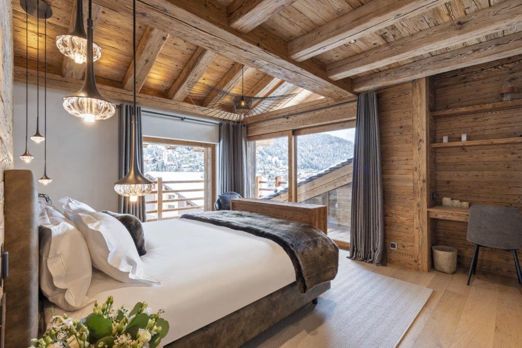 Chalet East Rock Bramble Ski c Yves Garneau 2 1024x683 - Kontaktloser Service im Ski-Urlaub – die 5 schönsten Luxus-Chalets im Schnee