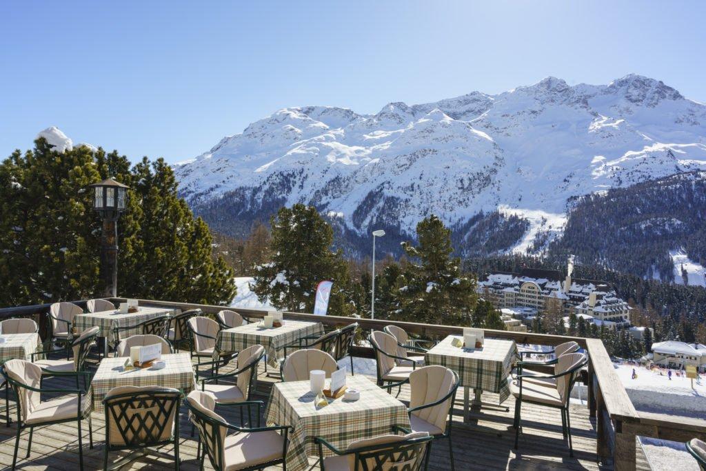 Chasellas Terrasse Winter SuvrettaHouse 1024x683 - Luxus-Skisaison im Suvretta House St. Moritz