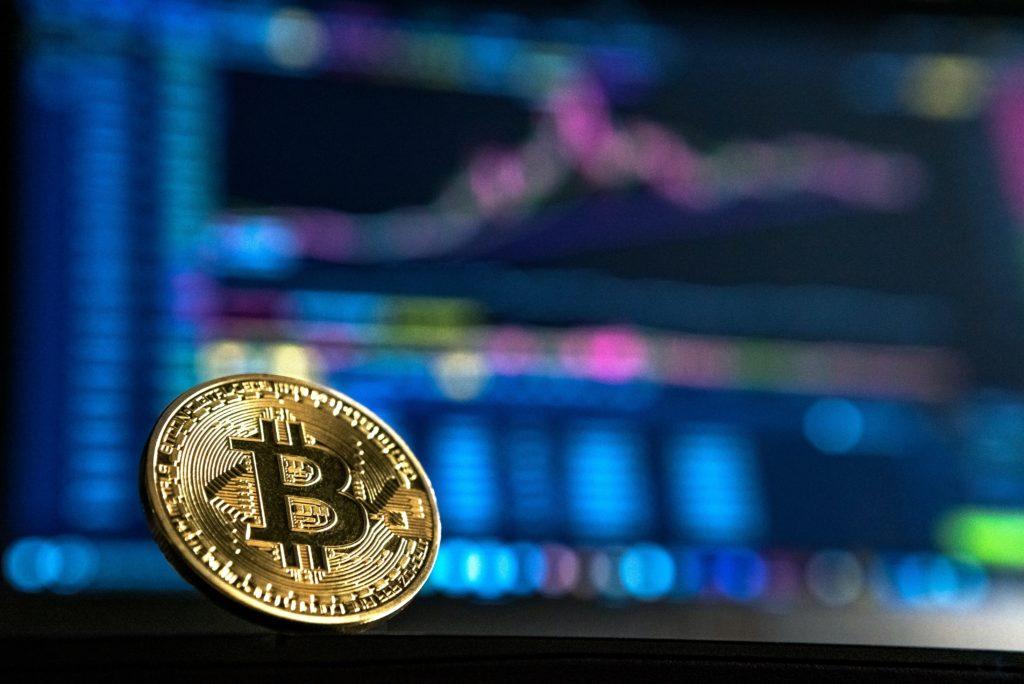 bitcoin trader trading kryptowahrung blockchain 1024x684 - Warum der Bitcoin 2021 steigen wird