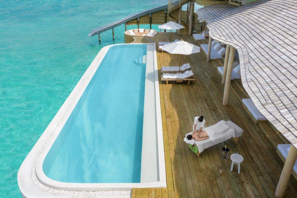 Hero Soneva Jani 2BR Water Reserve aerial shot of deck and massage treatment  by Sandro Bruecklmeier. 1024x682 - Traumziel Malediven – neue Luxus-Privatvillen bei Soneva Jani