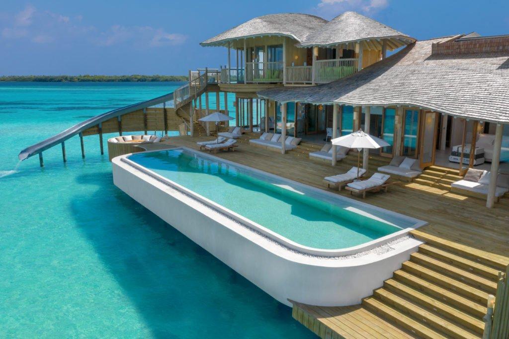 Soneva Jani 2BR Water Reserve pool and deck exterior by Sandro Bruecklmeier. 1024x682 - Traumziel Malediven – neue Luxus-Privatvillen bei Soneva Jani