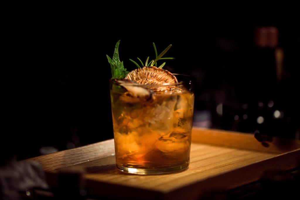 cocktailbar berlin drink longdrink 1024x683 - Die 11 besten Bars in Berlin