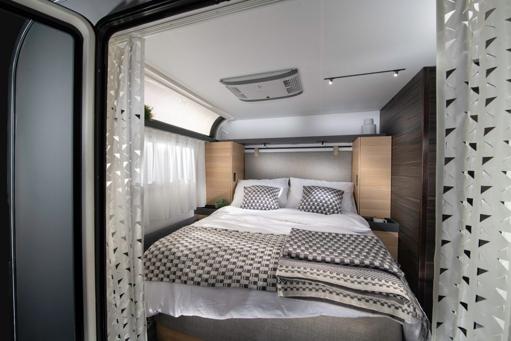 dDG8ui5sANBLMt5wqNEE1zBxU7lU5W6j9Uxnt3JN 1024x683 - Immer unterwegs: Caravans aus dem Luxus-Segment