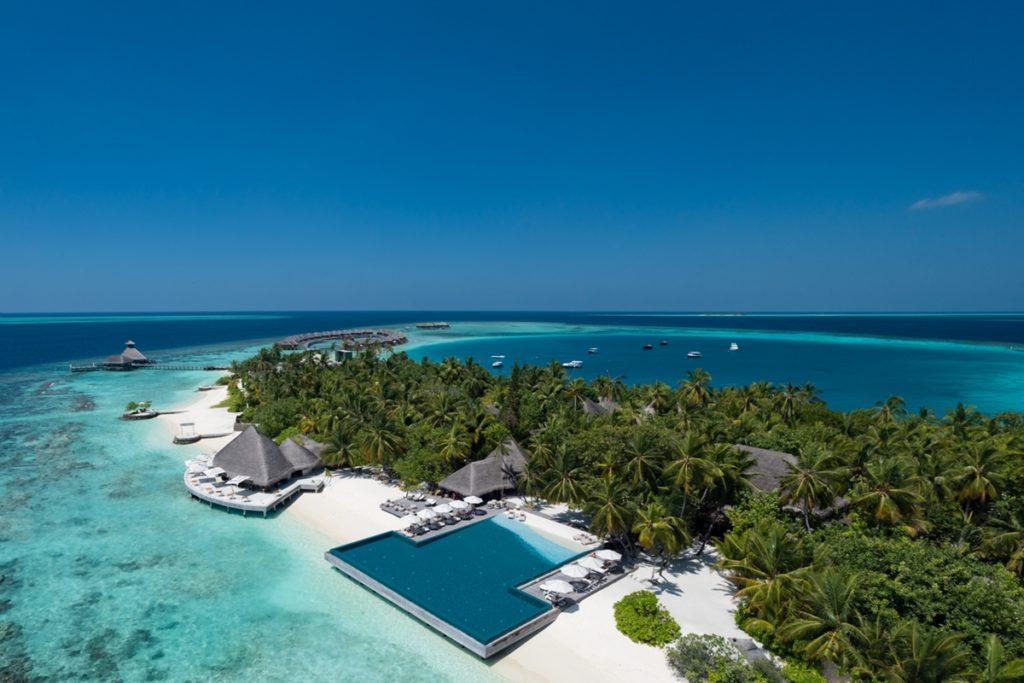Huvafen Fushi Ariel Island 4 1024x683 - Die spektakulärsten Pools der Welt