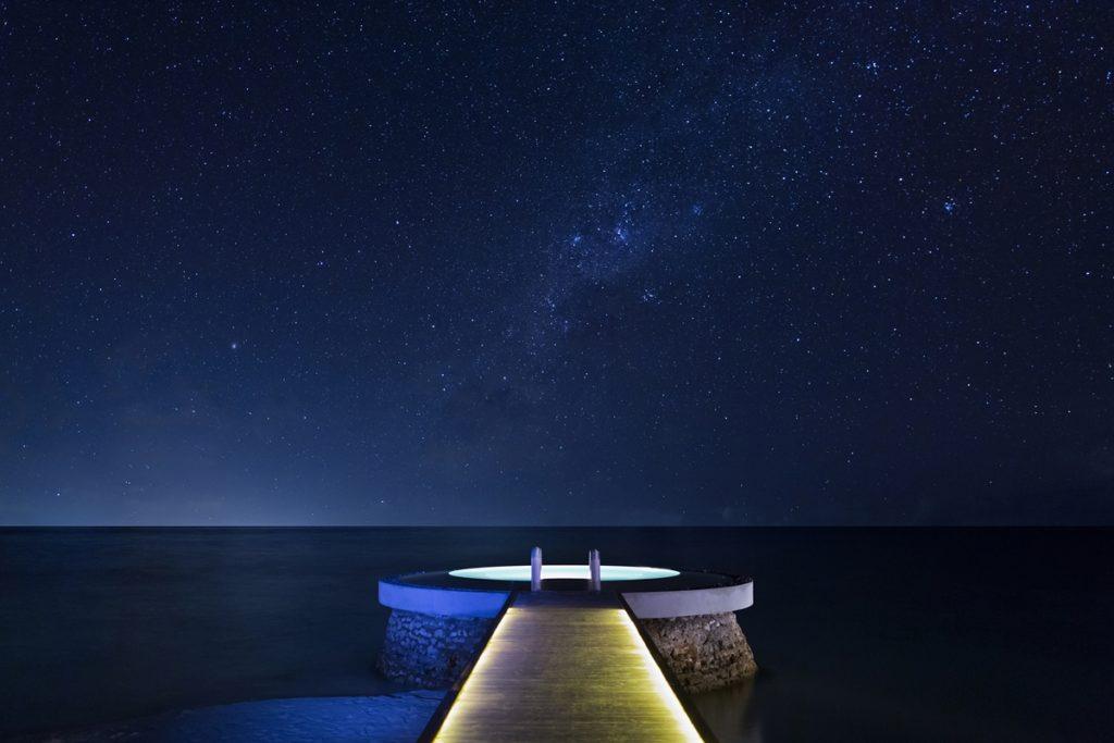 Huvafen Fushi Lonu Veyo Salt Water Pool Night 1024x683 - Die spektakulärsten Pools der Welt