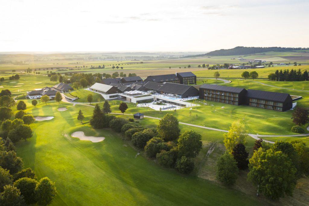 Oeschberghof aussenansicht 1024x682 - Die 3 besten Hotels für Aktive