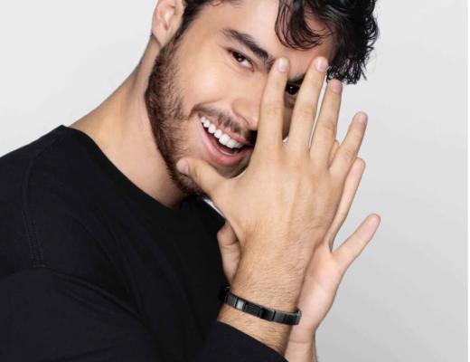 nomination herrenarmband schwarz 520x400 - Tolle Armbänder für Herren zum Verschenken