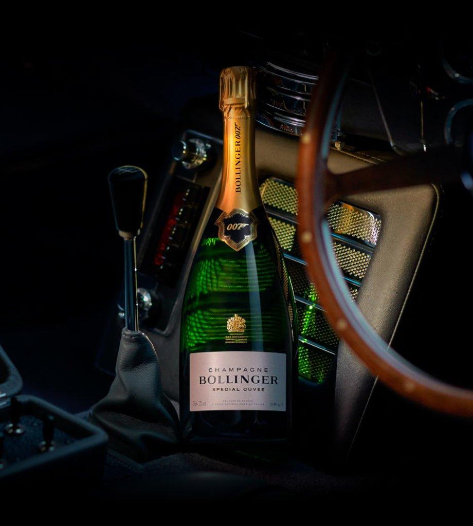 jamesbondbottle Bollinger 920x1024 - James Bond zum Vernaschen - 007 Trüffel & Champagner