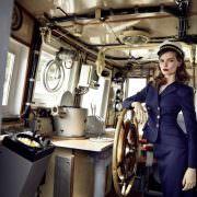 Luxusmode am Meer – die Spring/Summer 2017 Kollektion von Lena Hoschek